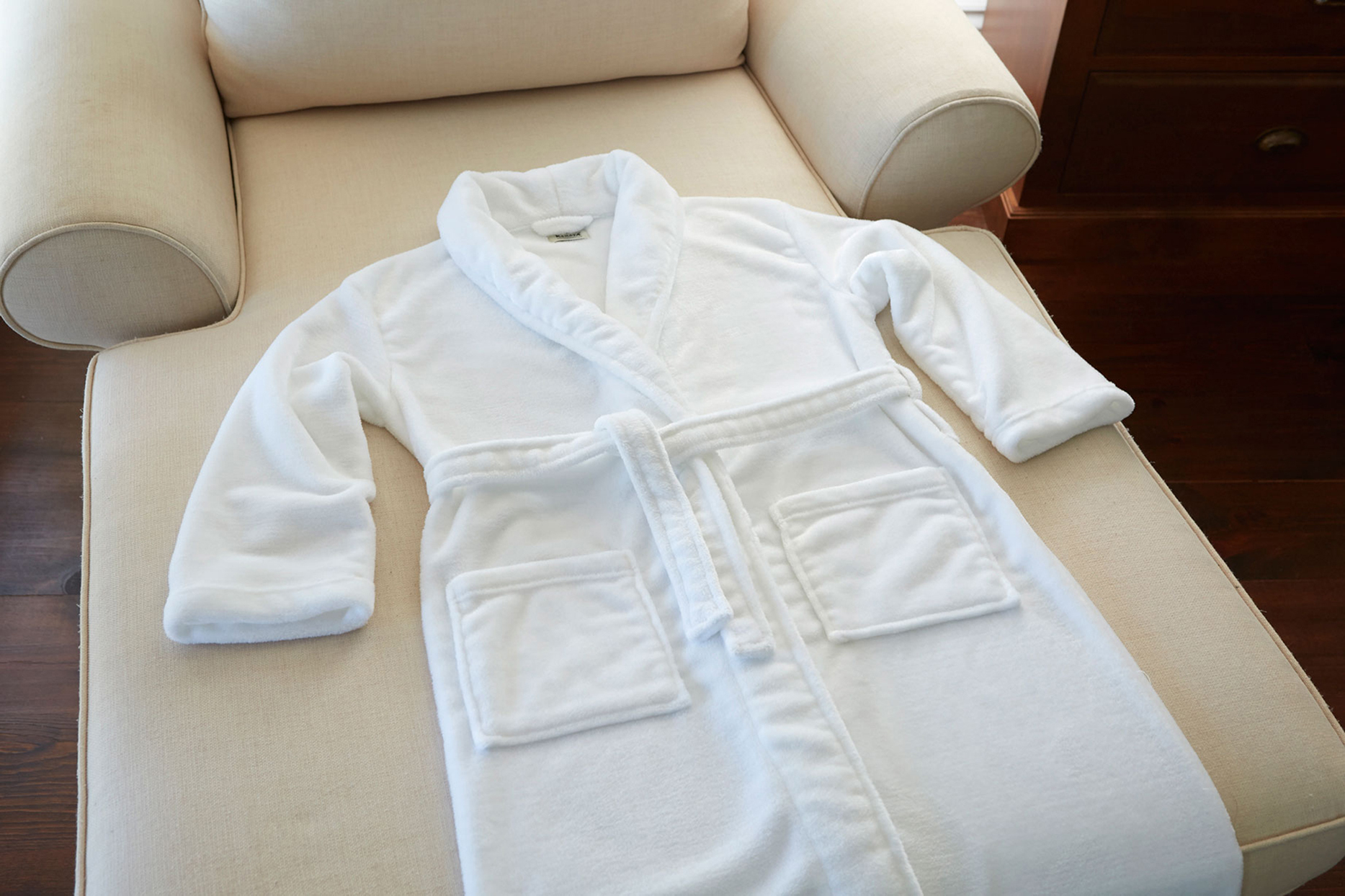 Plush Lounge Robe - White (2)