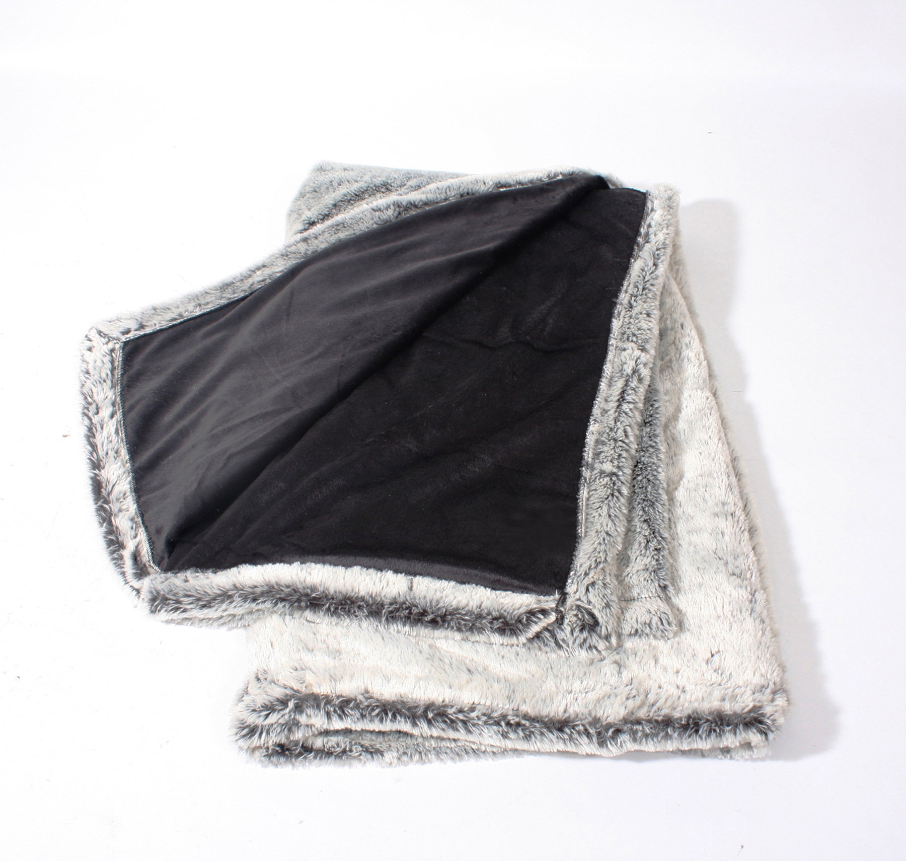 velvafur_throw_silver_grey_blank