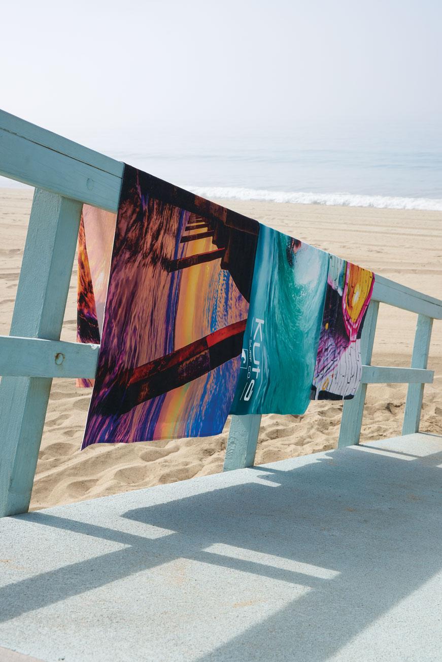 FOTO Vision™ Beach Towels